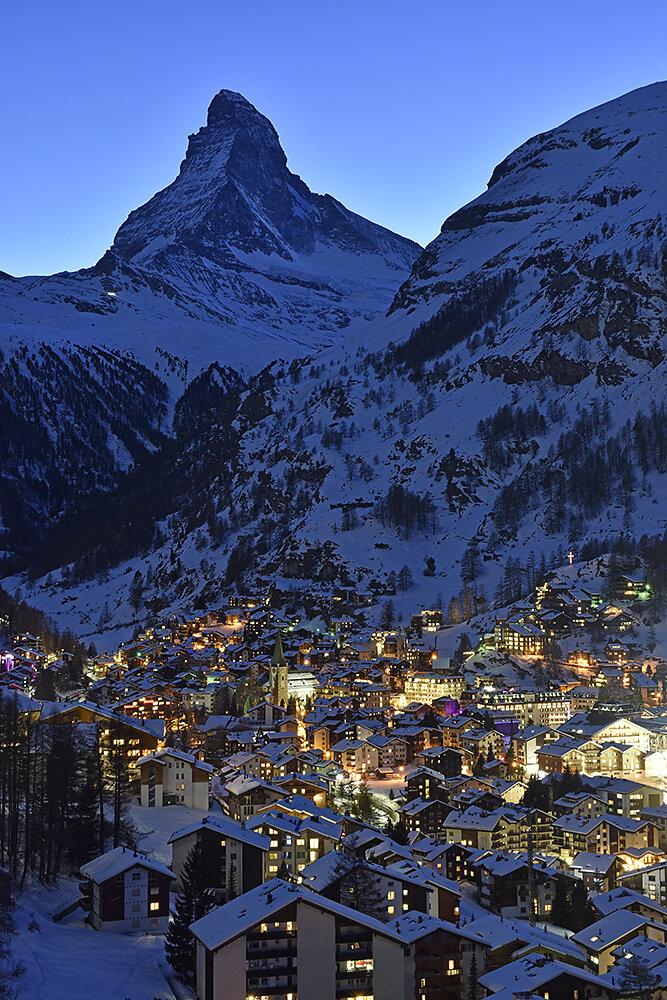 Zermatt-bei-Nacht.JPG