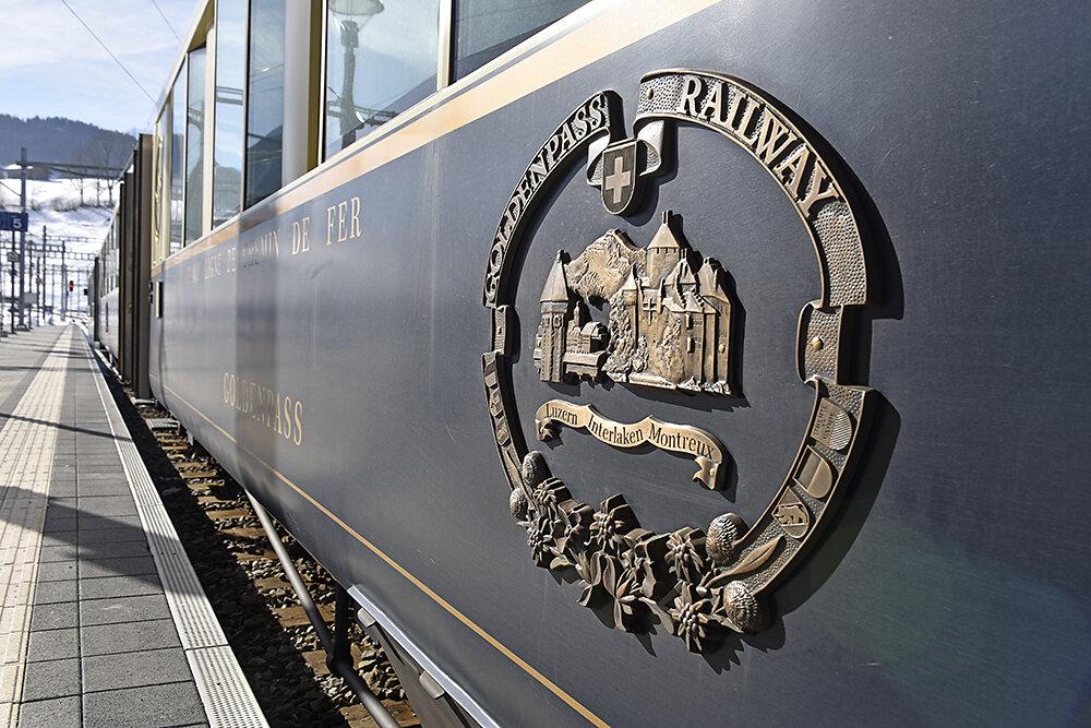 Bahnfahren-in-der-Schweiz.JPG